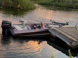 Bass boat for Sale in Okeechobee, FL