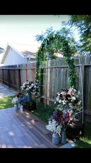 Wedding supplies Arch Flowers for Sale in Artesia, CA