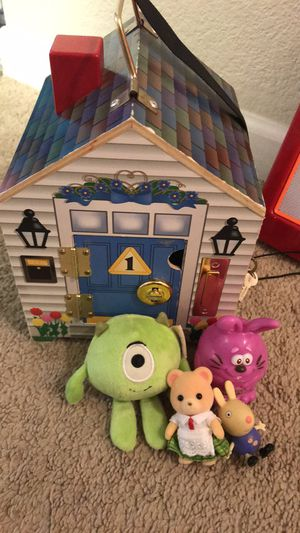 Melissa&Doug Wooden Doll House for Sale in Dublin, CA