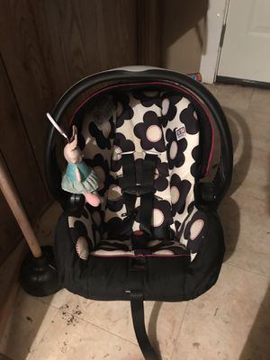 Infant car seat for Sale in Milledgeville, GA