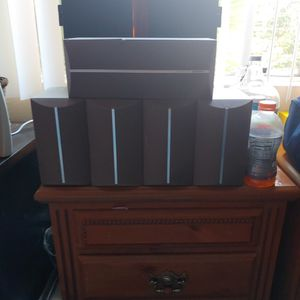 5 Onkyo Speakers In Great Condition for Sale in Huntington Beach, CA