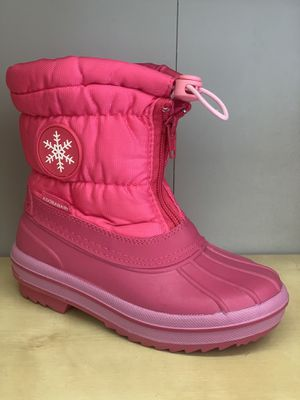 Snow boots for girls sizes 1, 2, 3,4 kids sizes for Sale in Bell Gardens, CA