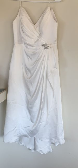 Wedding dress - Davids Bridal DB Studio Size 8 for Sale in Pacifica, CA