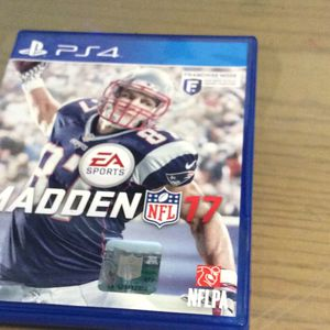 PS4 Madden NFL 17 for Sale in Hialeah, FL