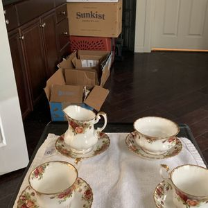 Royal Albert England Old Country Roses 2 Tea Cups With Plates And Sugar And Creamer With Plates for Sale in Riverside, CA