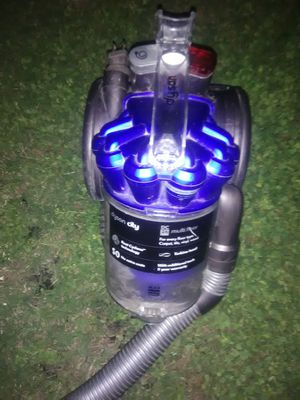 Dyson vacuum cleaner for Sale in Poteet, TX