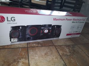 LG XBOOM 700W 2.1ch Mini Shelf System with Built-in Subwoofer and Bluetooth®. for Sale in San Francisco, CA