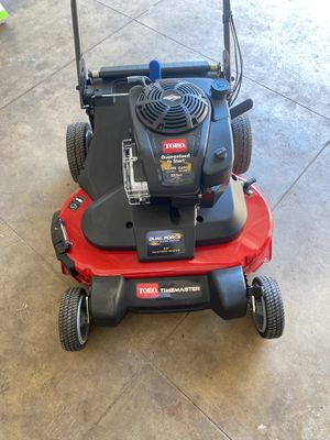 Toro TimeMaster 30 in. Briggs and Stratton Personal Pace Self-Propelled Walk-Behind Gas Lawn Mower with Spin-Stop for Sale in Gardena, CA