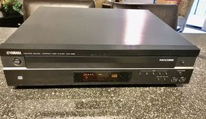 YAMAHA NATURAL SOUND 5 CD EXCHANGER IN EXCELLENT CONDITION for Sale in Sanford, FL