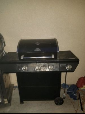 BBQ grill with tank for Sale in Tampa, FL
