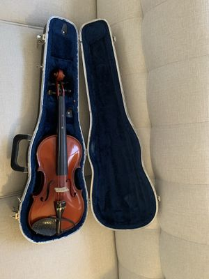 3/4 size violin with case. Does not come with bow. for Sale in Chandler, AZ