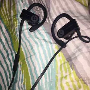 Beats Bluetooth headphones (Used once) for Sale in Houston, TX