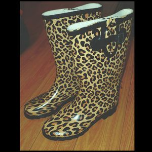 Cheetah print rain boots for Sale in Los Angeles, CA