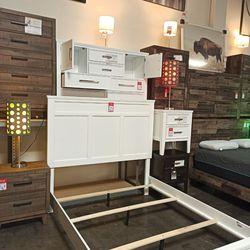 NEW DESIGN, WHITE BEDROOM SET 3PCS.SKU#TCB677 for Sale in Huntington Beach,  CA