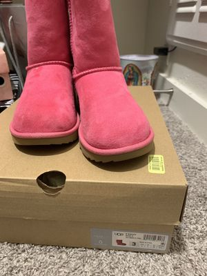 Pink ugh boots sz3 for Sale in Dallas, TX