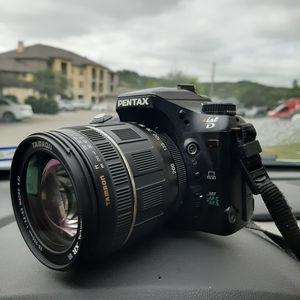 PENTAX istD Camera with extra battery pack for Sale in San Antonio, TX