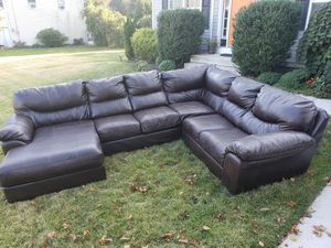 Leather sectional/couch for Sale in Burlington, NJ
