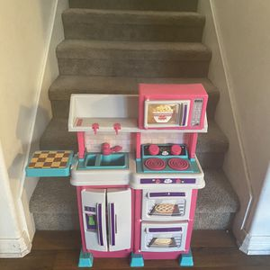 Girl's Play Kitchen for Sale in Whittier, CA