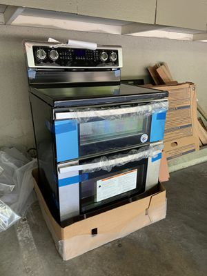 Whirlpool 30-inch self-cleaning double oven - BRAND NEW! for Sale in Hollywood, CA