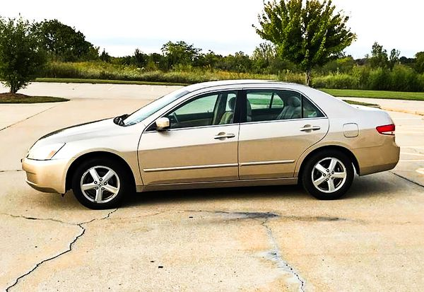 Price $$6OO Honda Accord 2004 One Owner! Excellent Condition