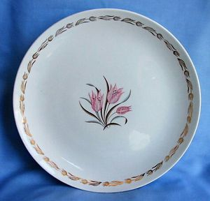 """Vintage Royal China 22 KT Gold Enchantment Pink Tulip Dinner Plate L 55 10 """" diameter-- for Sale in Northfield, OH"""
