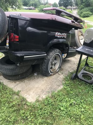 Chevy bed hauling trailer , no title & lights need rewired for Sale in Follansbee, WV