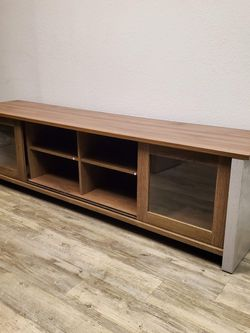 """Tv Stand 72"""" In Gray With Reclaimed Oak for Sale in Ontario,  CA"""