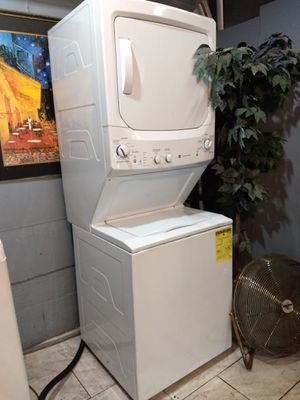 Kenmore stackable washer dryer for Sale in Airmont, NY