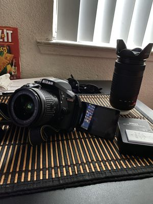Nikon D5300 for Sale in Parlier, CA