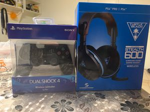 PS4 witless controller and microphone for Sale in Lutz, FL