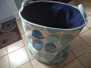 Large basket for Sale in Pembroke Pines, FL