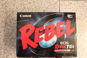 LIKE NEW Canon Rebel t6i w/accessories for Sale in West Hollywood, CA