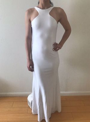WHITE BACKLESS EVENING DRESS for Sale in Los Angeles, CA