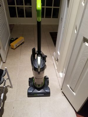 Vacuum cleaner, eureka for Sale in Antioch, IL