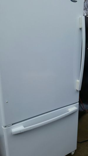 Refrigerator bottom freezer for Sale in Springfield, VA