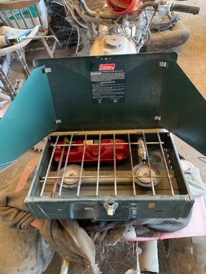 Coleman 425f camp stove for Sale in Visalia, CA