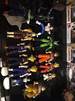 Dragon ball figures for Sale in Cincinnati, OH