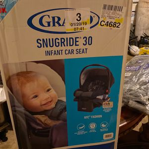 BRAND NEW BABY CAR SEAT for Sale in Houston, TX
