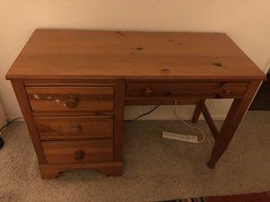 Kids desk. for Sale in Rancho Santa Margarita, CA