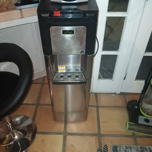 Viva Energy Star Water Cooler 5 Gallon Jug Underneath So Its Not Seen, No More Heavy Liften Hot And Cold Both Work 100 Bucks Firm Never Used for Sale in Bakersfield, CA