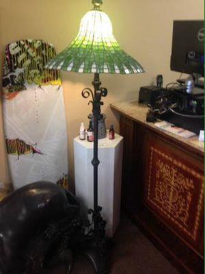 Green/White Tiffany Style Floor Lamp for Sale in Orlando, FL
