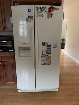 Kenmore Refrigerator for Sale in North Attleborough, MA