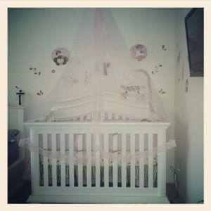 Baby Crib W/mattress, non smoker for Sale in Orlando, FL