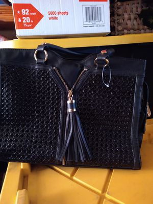 Large hand bag for Sale in Montclair, CA