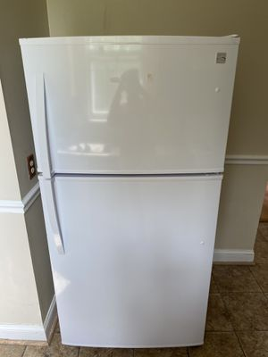Kenmore Refrigerator for Sale in Capitol Heights, MD