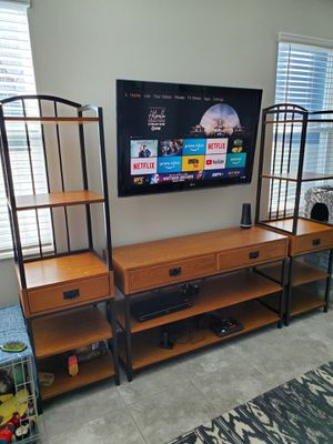 Real Wood Entertainment Wall Unit for Sale in Apopka, FL