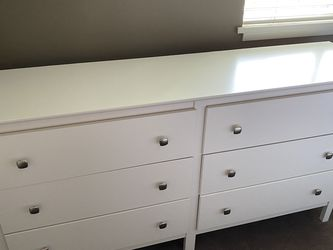 White Dresser with 6 Drawers for Sale in Lake Forest Park,  WA