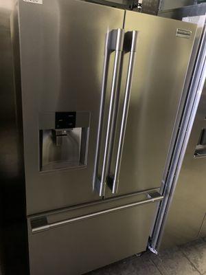 Frigidaire pro French door refrigerator for Sale in Corona, CA