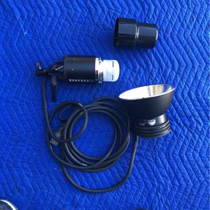 Profoto Acute2 D4 Flash Head With Zoom Reflector for Sale in Temecula, CA