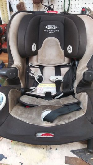 Graco car seat with 2 bases for Sale in Seymour, TN